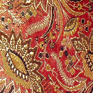 SILK BROCADE PATTERNED - WINE GOLD [BR706]